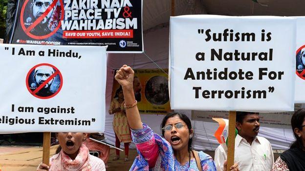 ஜாகிர் நாயக் மலேசியாவில் தனது பேச்சுகளுக்காக வருத்தம் தெரிவித்தார்