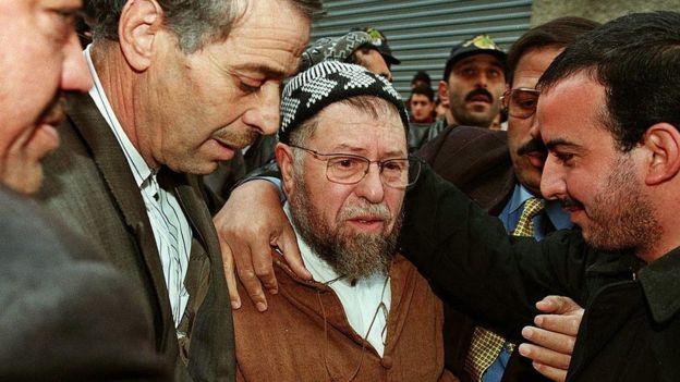 Abassi Madani, le 23 Novembre 1999 à Alger, au domicile d'Abdelkader Hachani, un des leaders du FIS assassiné.