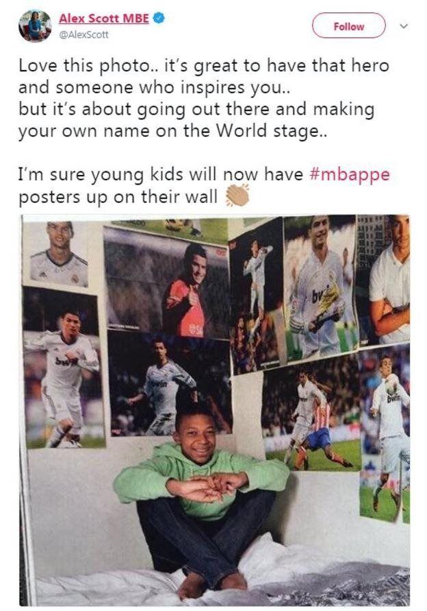 Mbappe từng dán đầy hình Ronaldo trên tường trong phòng cậu.