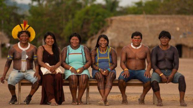 Kayapós e panarás em encontro na Terra Indígena Menkragnoti