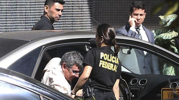 Após ser preso na Operação Panatenaico, ex-vice-governador do DF Tadeu Filippelli chega à superintendência da Polícia Federal