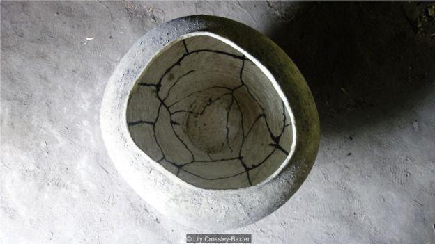 滨名一宪的陶艺作品通常被认为带有侘寂的元素。