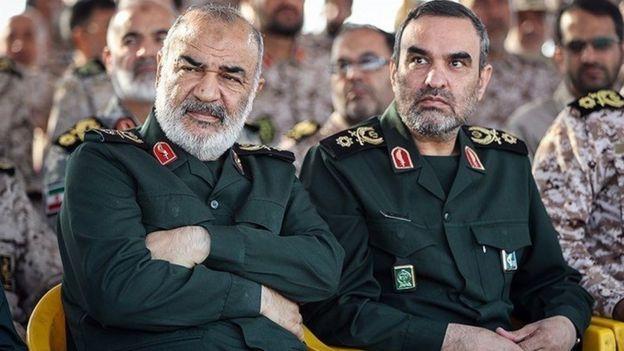 سرتیپ پاسدار حسن محقق در کنار سرلشکر پاسدار حسین سلامی
