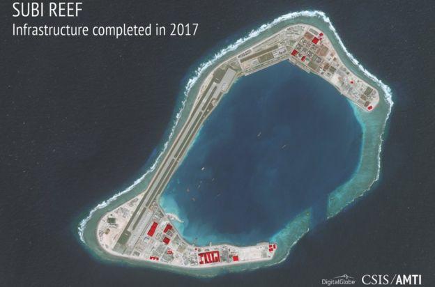 Imagem de satélite das instalações chinesas no recife de Suby.