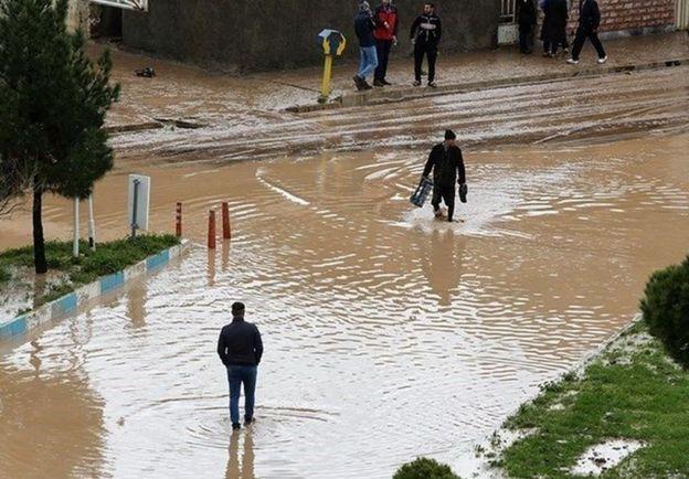 مقامهای ایرانی میگویند بودجه دولت برای جبران خسارات ناشی از سیل کافی نیست