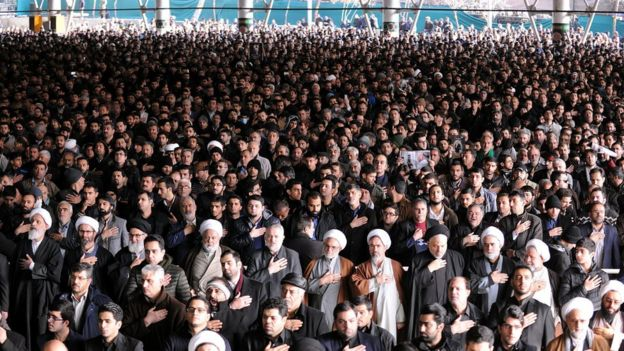 People attend the funeral ceremony of Akbar Hashemi Rafsanjani in Tehran, Iran (10 January 2017)
