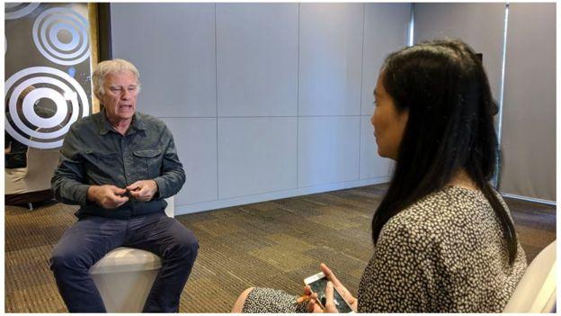 BBC News Tiếng Việt phỏng vấn nhiếp ảnh gia Jeff Widener tại Bangkok tháng 12/2019