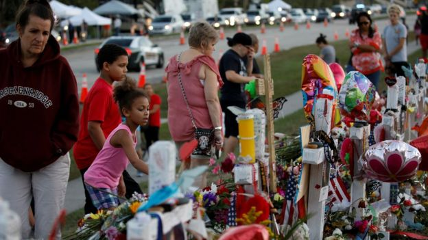 Homenaje a las víctimas de Parkland
