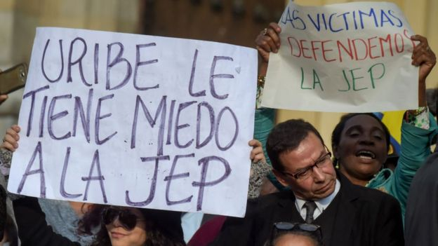 Protesta contra Uribe
