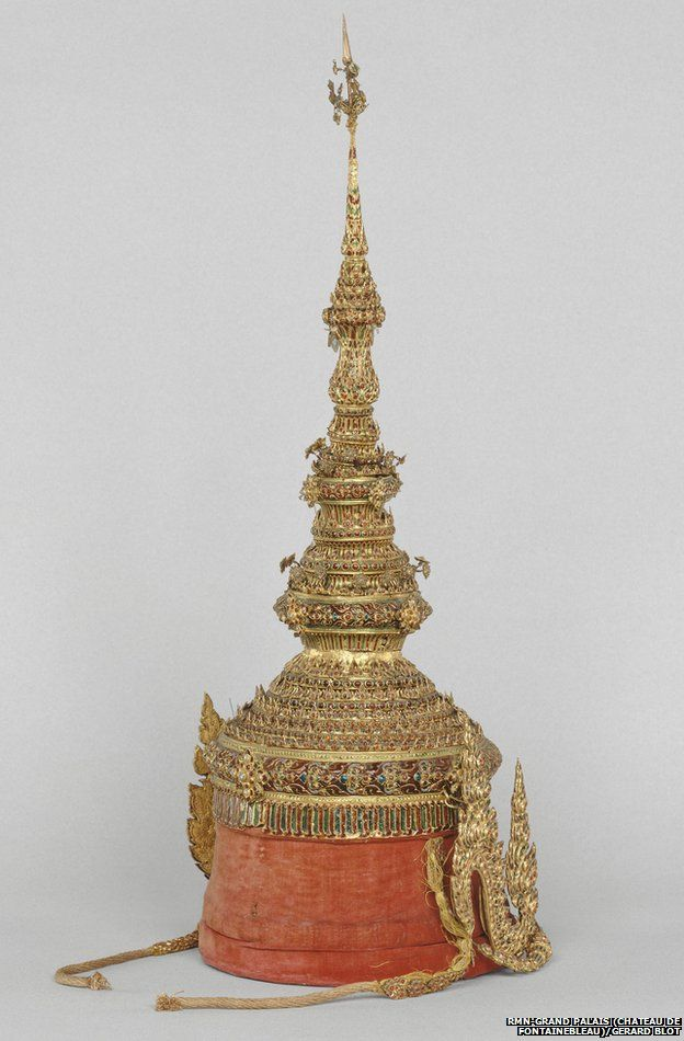 A replica of a crown of the King of Siam, stolen from Fontainebleau Castle