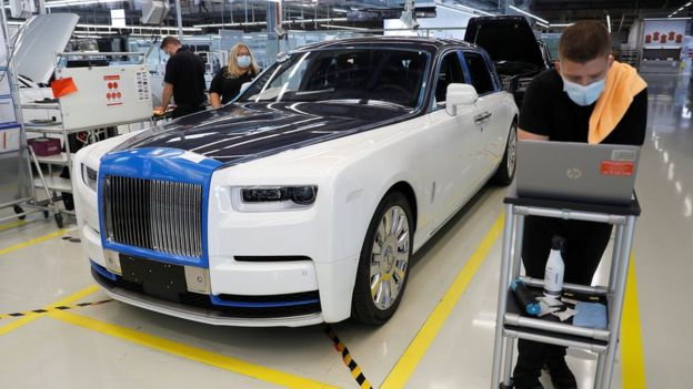 Rolls-Royce production line
