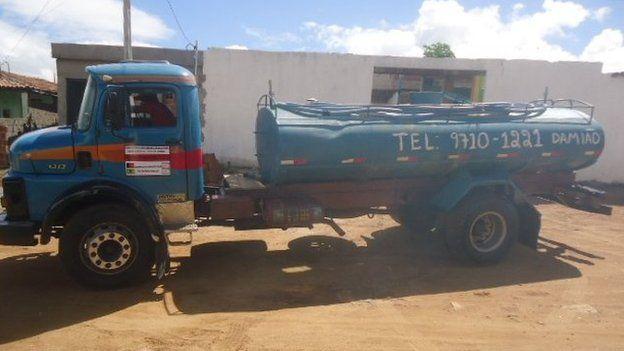 Carro-pipa em Alcantil