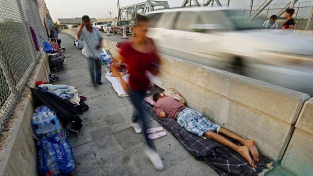 cruce fronterizo entre EE.UU. y México