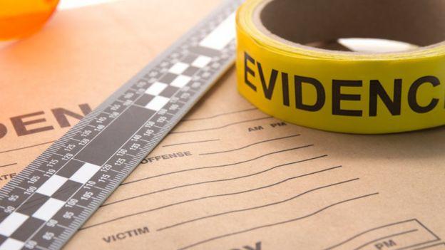 Material de investigación de un crimen