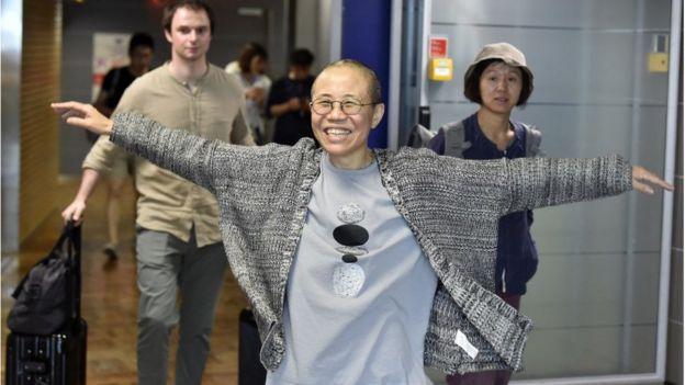 刘霞抵达赫尔辛基机场,转机前往柏林。