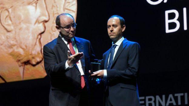 Caucher Birkar recebe medalha Fields