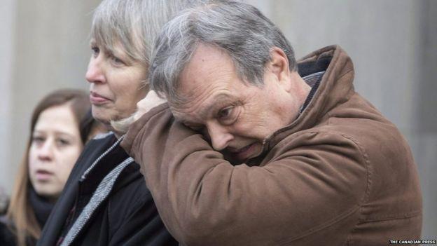Clayton Babcock al lado de su esposa Linda