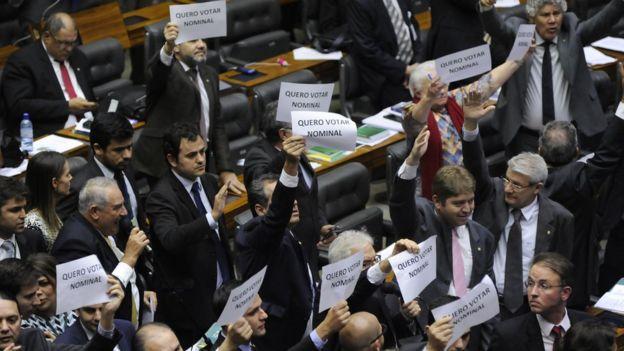 Votação na Câmara sobre fundo eleitoral