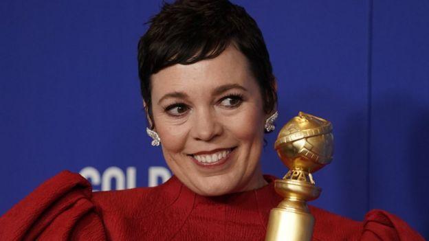 """Olivia Colman ganó como mejor actriz de televisión (drama) por su papel en """"The Crown""""."""