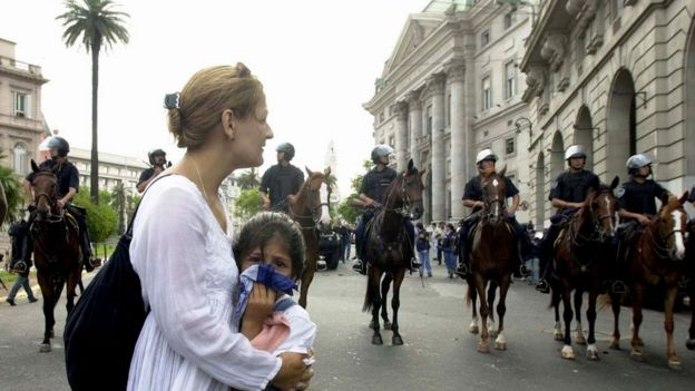 Arjantin'de 2001 yılında devlet başkanının istifasına giden eylemlerde en az 22 kişi hayatını kaybetmişti