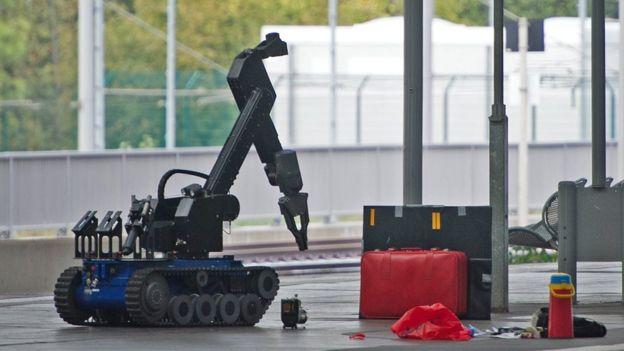 Robot ya kuharibu mabomu ilitumwa katika kitu cha treni cha Chemnitz