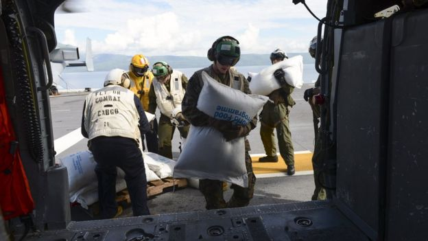 Tripulación del Iwo Jima durante crisis del huracán Matthew de 2016.