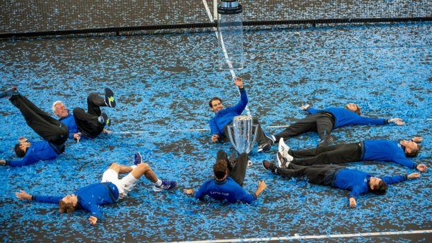 شادی تیم اروپا بعد از دریافت جایزه
