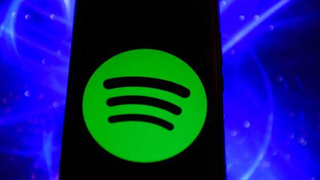 Logo de Spotify en un celular.