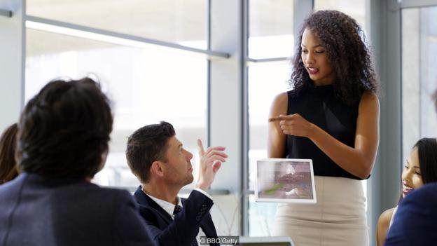 Mulher em reunião