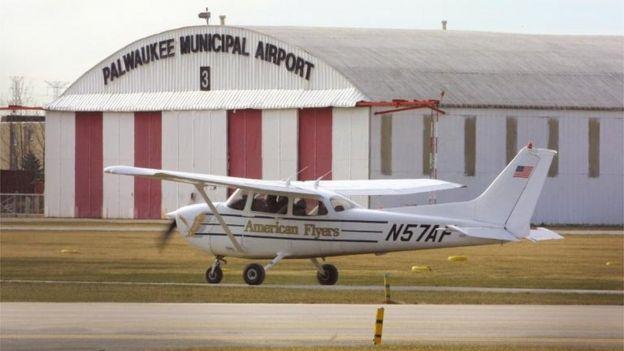 Cessna 172 durante un entrenamiento de pilotos.