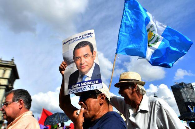 Protesta contra el presidente Jimmy Morales el sábado en Ciudad de Guatemala.