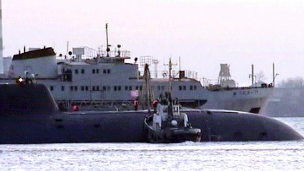 Ara San Juan, el ahora olvidado submarino Argentino desaparecido con 44 tripulantes a bordo - Página 2 _98880386_kursk3