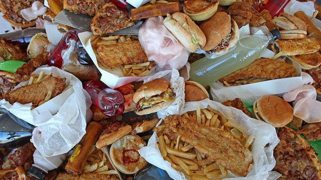 Pilha de junk food