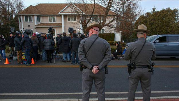 Saldırgan hahamın evinin yanındaki sinagoga da girmeye çalıştı.