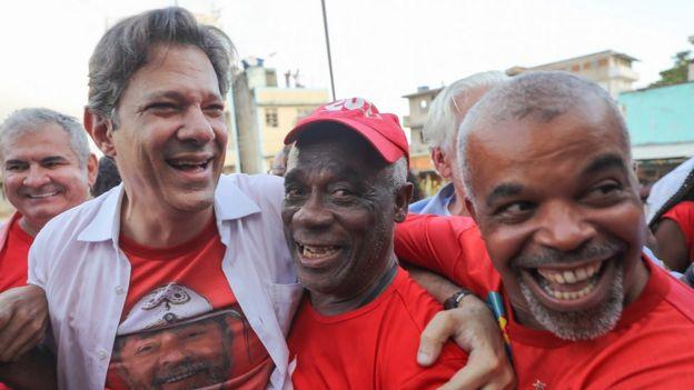Fernando Haddad em evento de campanha em Salvador - ele é vice-presidente na chapa de Lula, que pediu registro no TSE e aguarda julgamento.