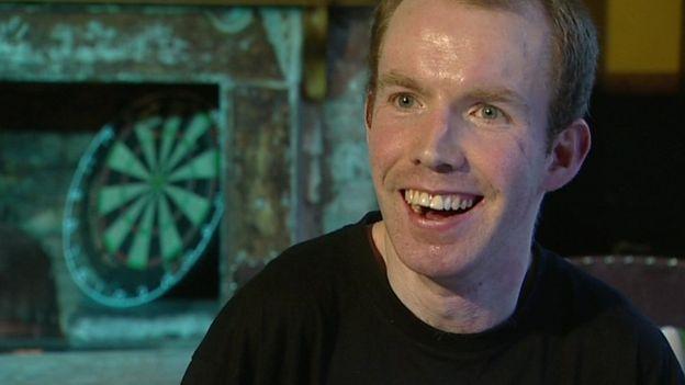 Imagen de Lee Ridley durante una entrevista con la BBC en 2012.