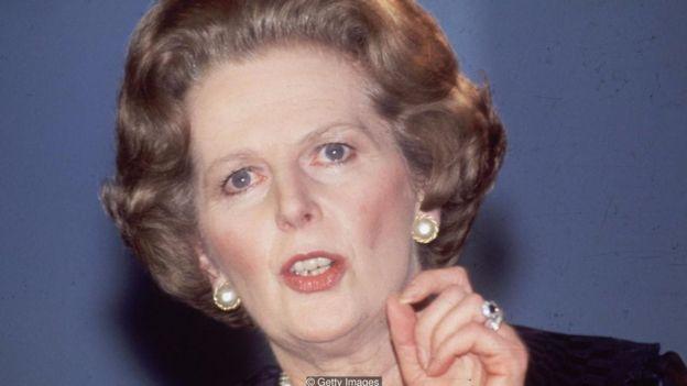 Cựu Thủ tướng Anh Margaret Thatcher đã sử dụng ẩn dụ, thuật hùng biện, tương phản, danh sách, niềm tin đạo đức và tình cảm của tập thể trong các diễn văn