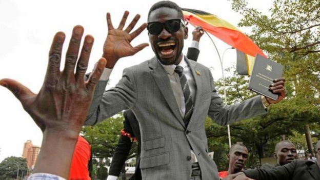 Bobi Wine, Heesaa iyo siyaasi