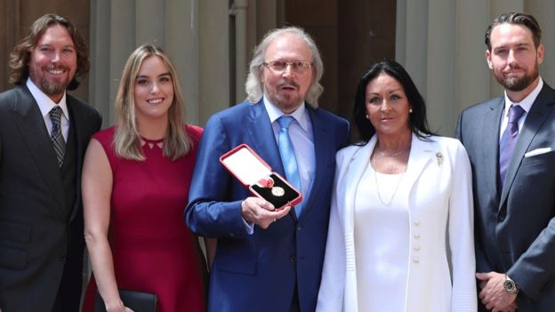Barry Gibb and familiy