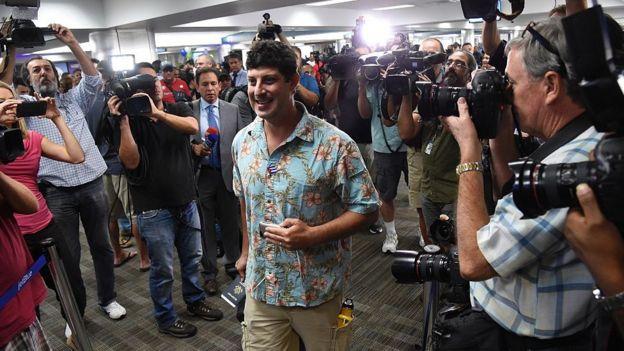 Turista estadounidense llegando a La Habana