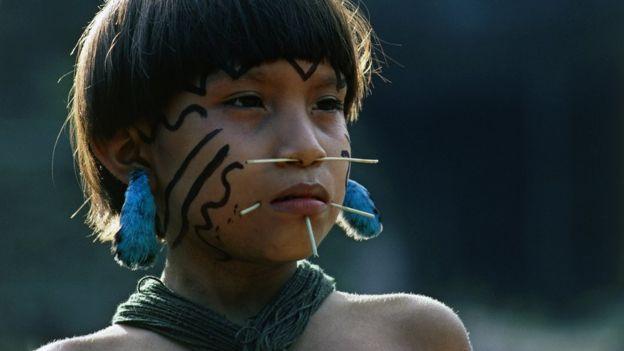 Criança da tribo yanomami no Amazonas