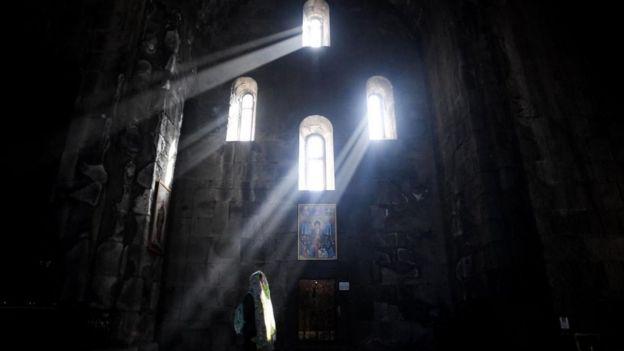 Nuestros modernos servicios religiosos son el resultado de una larga evolución histórica.