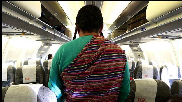 Paisana Jacinta en un avión. Foto: Big Bang Films.