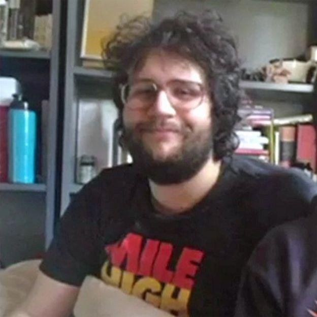 John em foto caseira