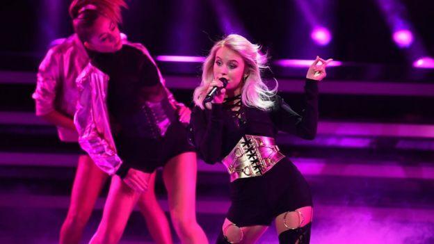 538d5c16348c2 Zara Larsson  The pop star with sleep paralysis - BBC News