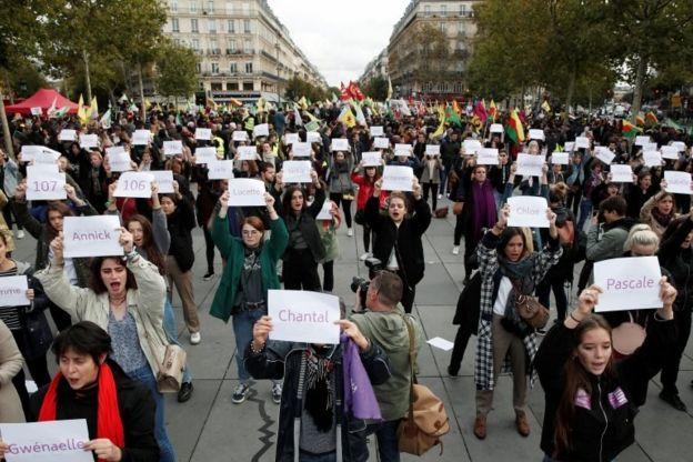تجمع زنان علیه خشونت خانگی در پاریس