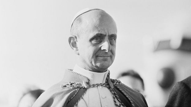 Pope Paul VI (1897 - 1978) arrives in Bombay, India, 2nd December 1964