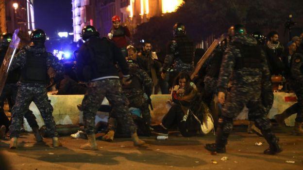 müdahale eden lübnanlı güvenlik güçleri