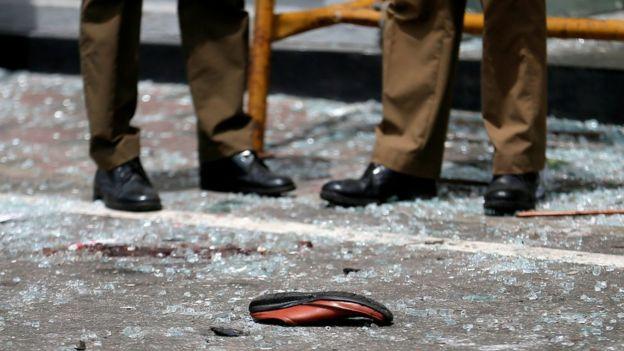 死伤者留下的鞋。