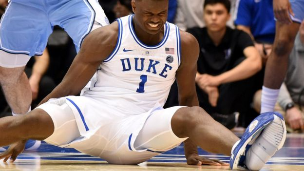 College basketball star Zion Williamson fell when his Nike trainer split during a game